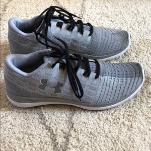 Under Armour Shoes - Grey Under Armour running shoes